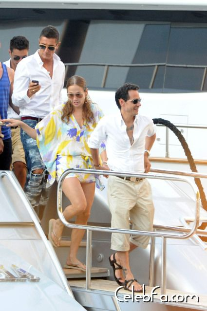 Jennifer Lopez Italian holiday-celebfa-com