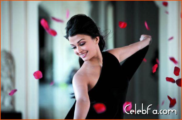 Aishwarya Rai-celebfa-com (3)
