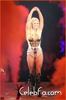 Britney Spears-celebfa-com (5)