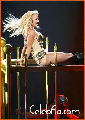 Britney Spears-celebfa-com (7)