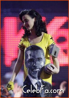 katy-perry-MTV Europe Awards-celebfa-com (2)