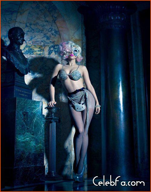 Lady Gaga Hello Kitty celebfa-com (2)