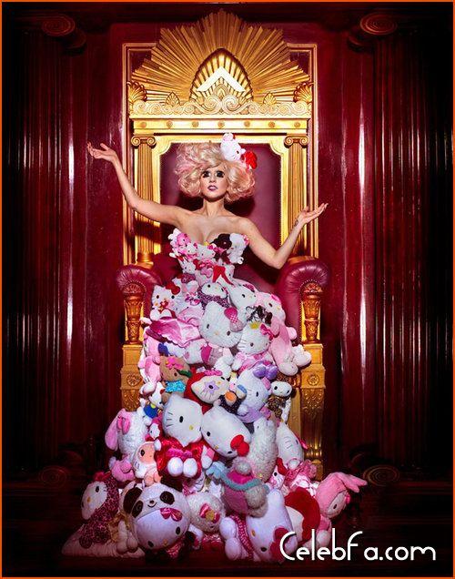 Lady Gaga Hello Kitty celebfa-com (4)