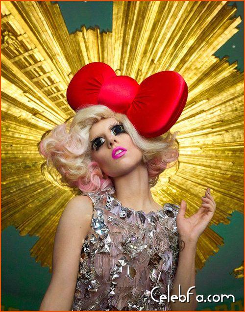 Lady Gaga Hello Kitty celebfa-com (5)