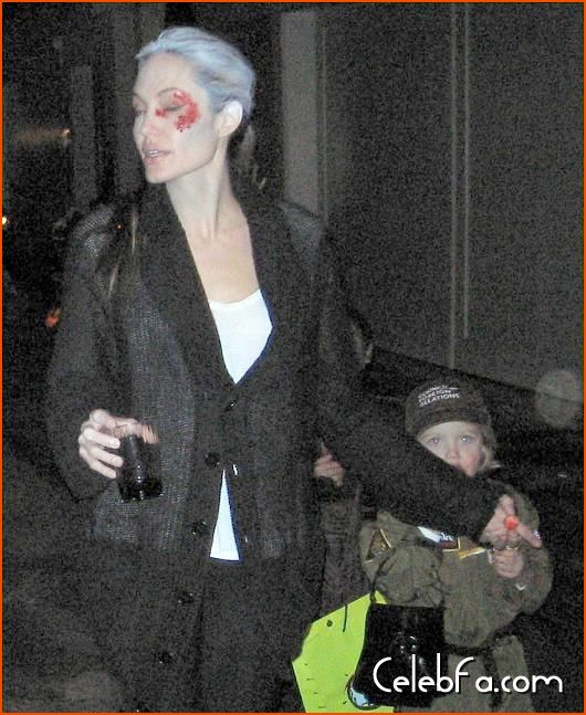 Angelina Jolie Brad Pitt Halloween celebfa-com (4)