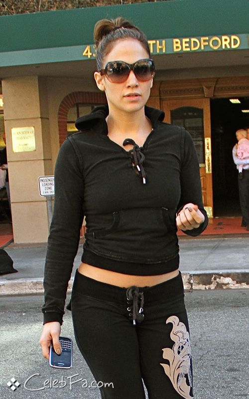 سکس جنیفر لوپز http://celebfa.com/2009/11/26/jennifer-lopez-in-beverly-hill/