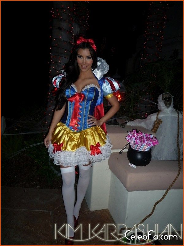 Kim-Kardashian-halloween-celebfa-com (7)