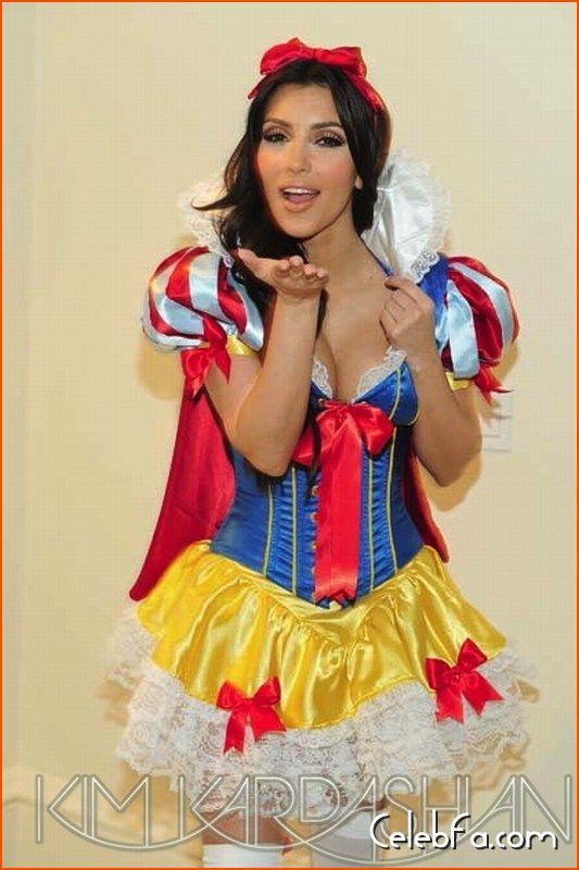 Kim-Kardashian-halloween-celebfa-com (8)