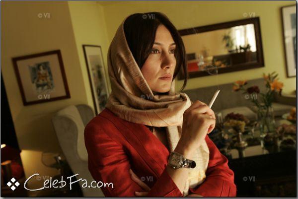 هدیه تهرانی به بهانه نمایشگاه عکس هایش ؛این مجموعه ادعایی نیست در عکاسیhttp://dast2dast.blogsky.com/