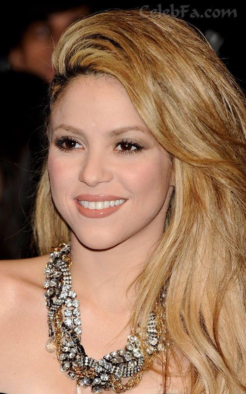 عکس لخت شکیرا https://celebfa2.wordpress.com/2009/12/12/shakira-in-madrid/