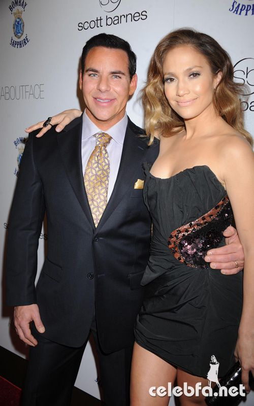 عکس لختی جنیفر لوپز http://celebfa.com/2010/01/22/jennifer-lopez-at-the-%e2%80%9cabout-face%e2%80%9d-book-launch-party/