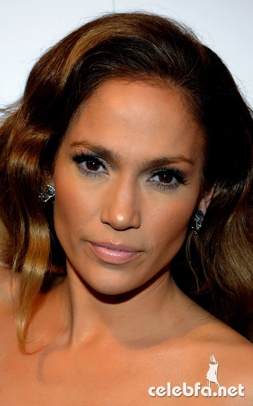 عکس لختی جنیفر لوپز http://celebfa.com/2010/01/22/jennifer-lopez-at-the-%E2%80%9Cabout-face%E2%80%9D-book-launch-party/jennifer-lopez-012010-celebfa-net-5/