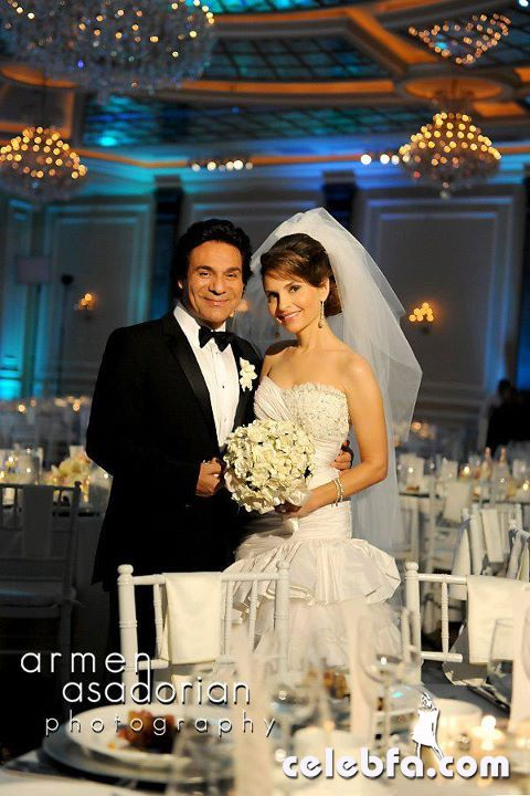 داستان های شب ازدواج http://celebfa.com/2011/11/15/andy-shani-wedding-report-photos/