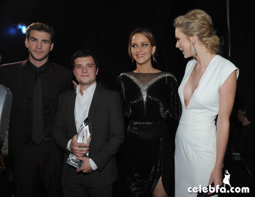 2013 People's Choice Awards_CelebFa_Com (15)