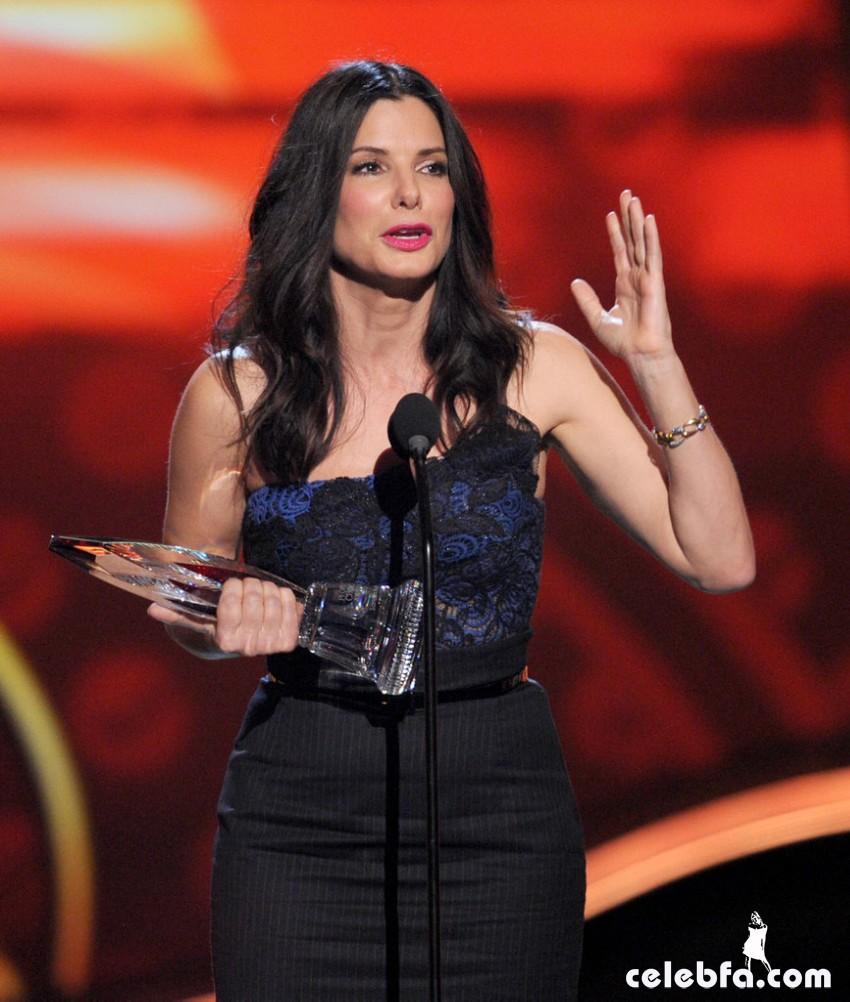 2013 People's Choice Awards_CelebFa_Com (23)