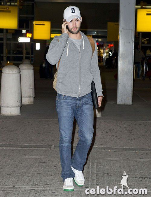 Chace-Crawford-010213-3