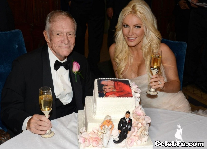 hugh-hefner-crystal-harris-wedding-pictures-CelebFa_Com (1)