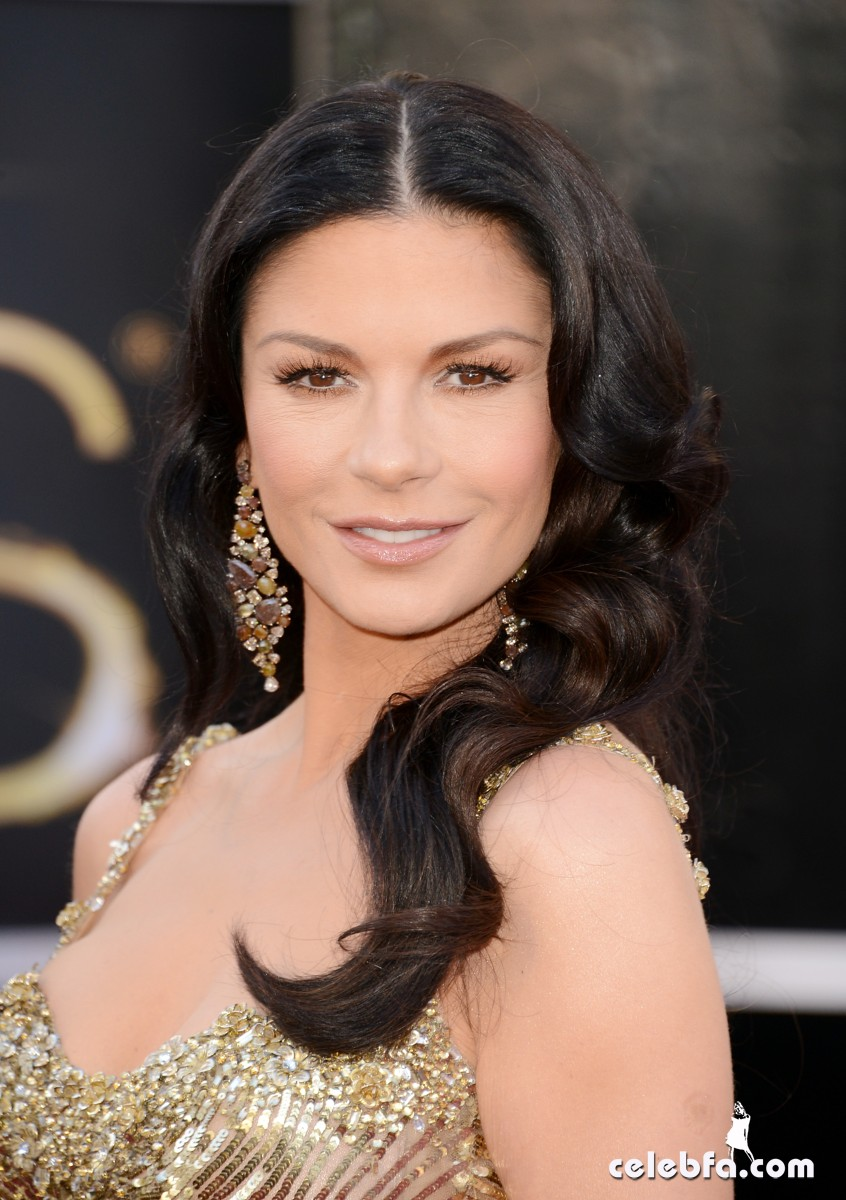 Catherine Zeta-Jones Oscars 2013 Red Carpet-CelebFa_Com