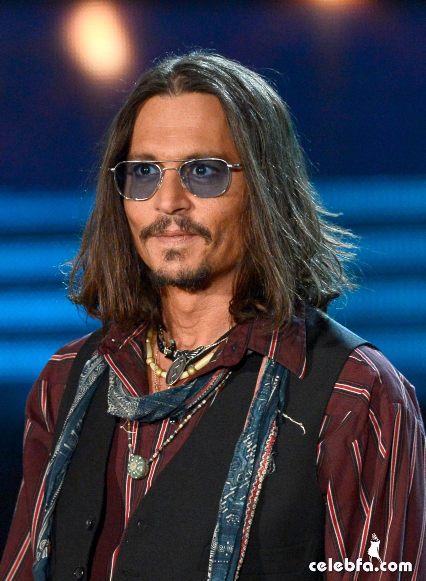 Johnny Depp Grammy Awards 2013-CelebFa_Com (1)
