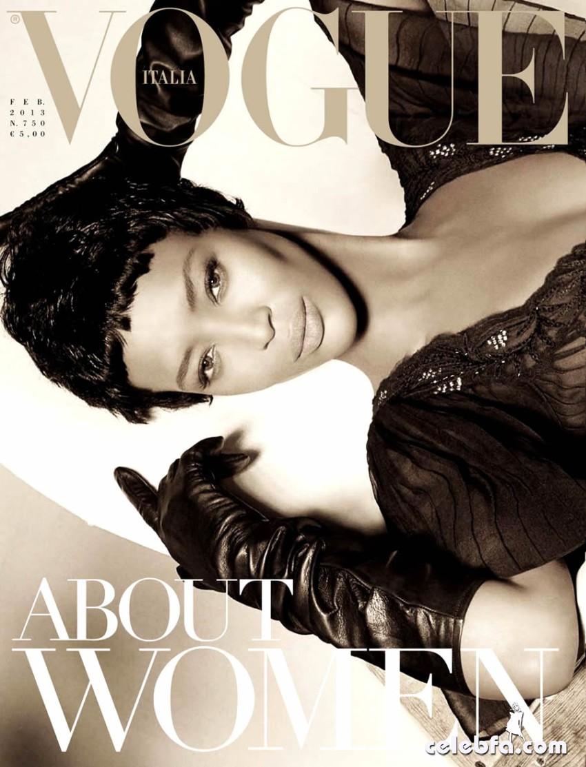 Naomi Campbell -Vogue-CelebFa_Com (1)