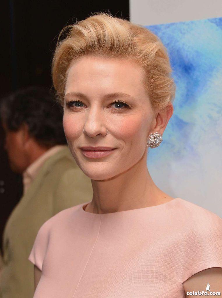 Cate-Blanchett-attends-the-Blue-Jasmine-Premiere--04_celebf