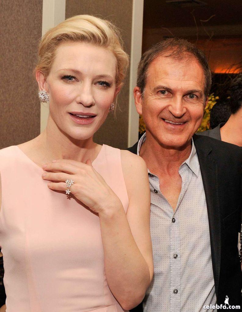 Cate-Blanchett-attends-the-Blue-Jasmine-Premiere--06_celebf