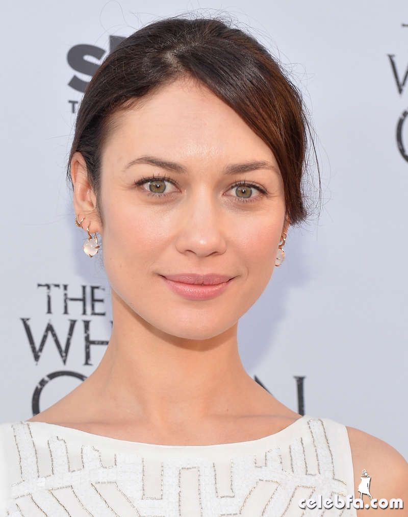 Olga-Kurylenko---The-White-Queen-launch--08_celebf