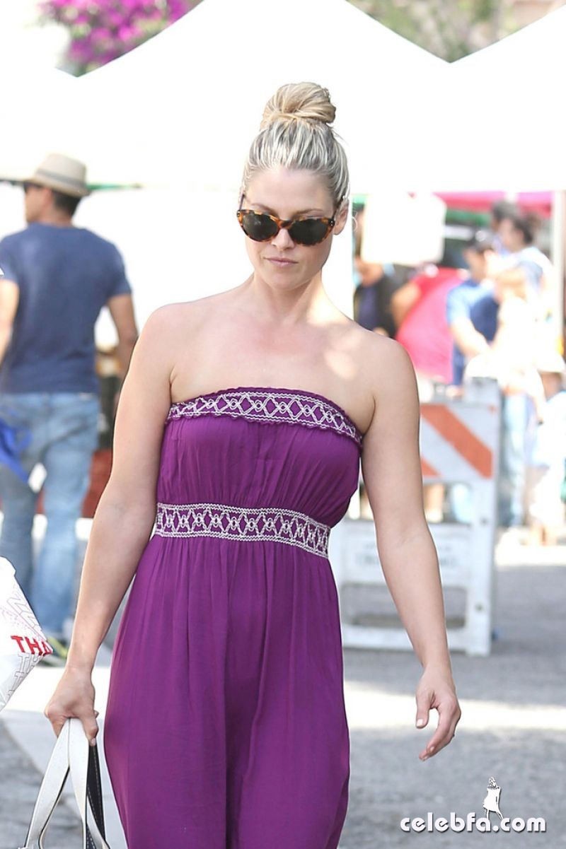 ali-larter-in-los-angeles_CelebFa (1)