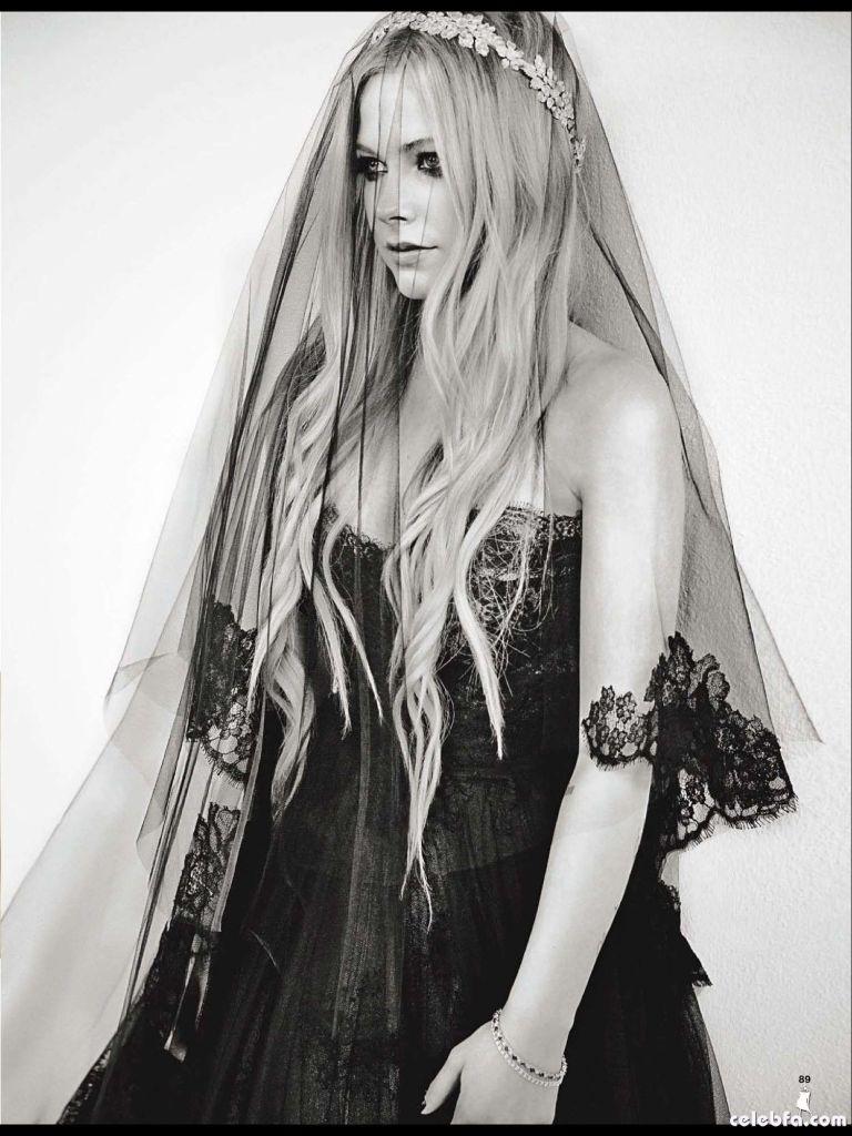 Avril-Lavigne--Glamour-2013--04_celebf