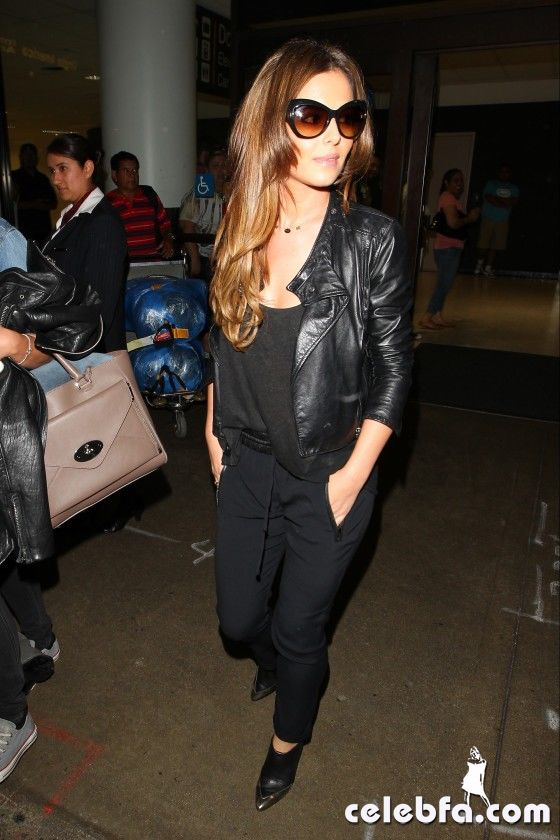 Cheryl-Cole-at-LAX-Airport--03-560x840_celebf