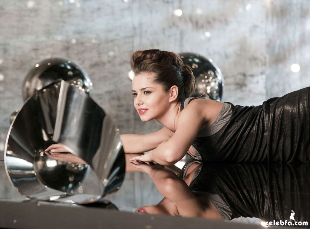 Cheryl-Cole---Charlotte-Medlicott-photoshoots--06_celebf