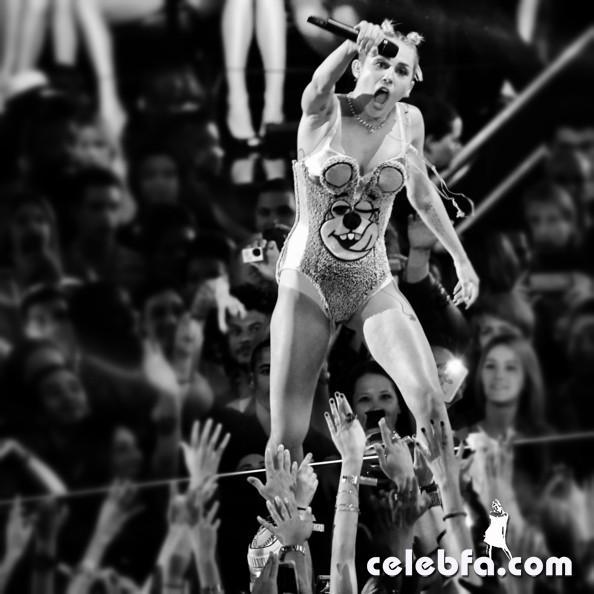 Miley+Cyrus+Alternative+View+2013+MTV+Video+i4UQbnivPFCl