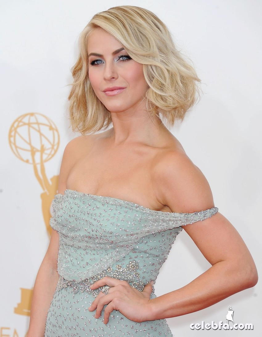 julianne-hough-emmy-awards-2013-CelebFa (1)