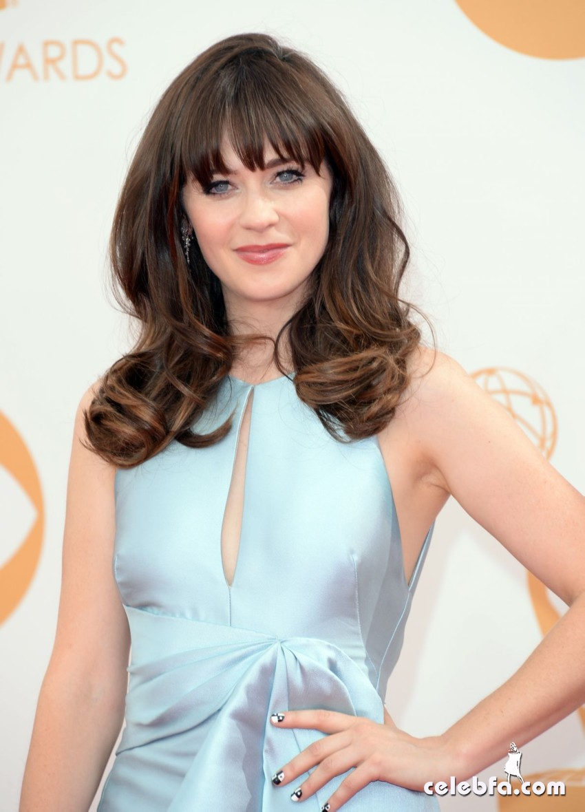 zooey-deschanel-emmy-awards-2013-CelebFa (1)