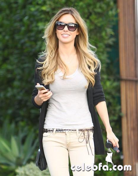 Audrina+Patridge+Smiles+After+Salon+Visit+hCaEr6Rguw3l