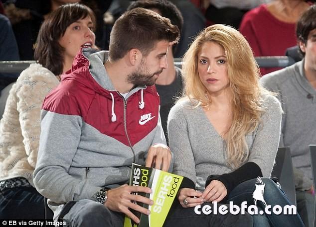 Shakira and Girard Piqué-CelebFa (1)