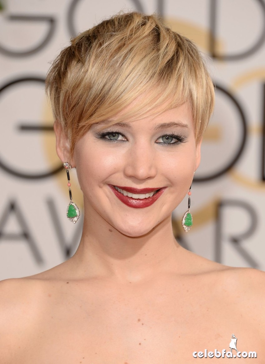 jennifer-lawrence-at-71st-annual-golden-globe-awards-CelebFa (5)