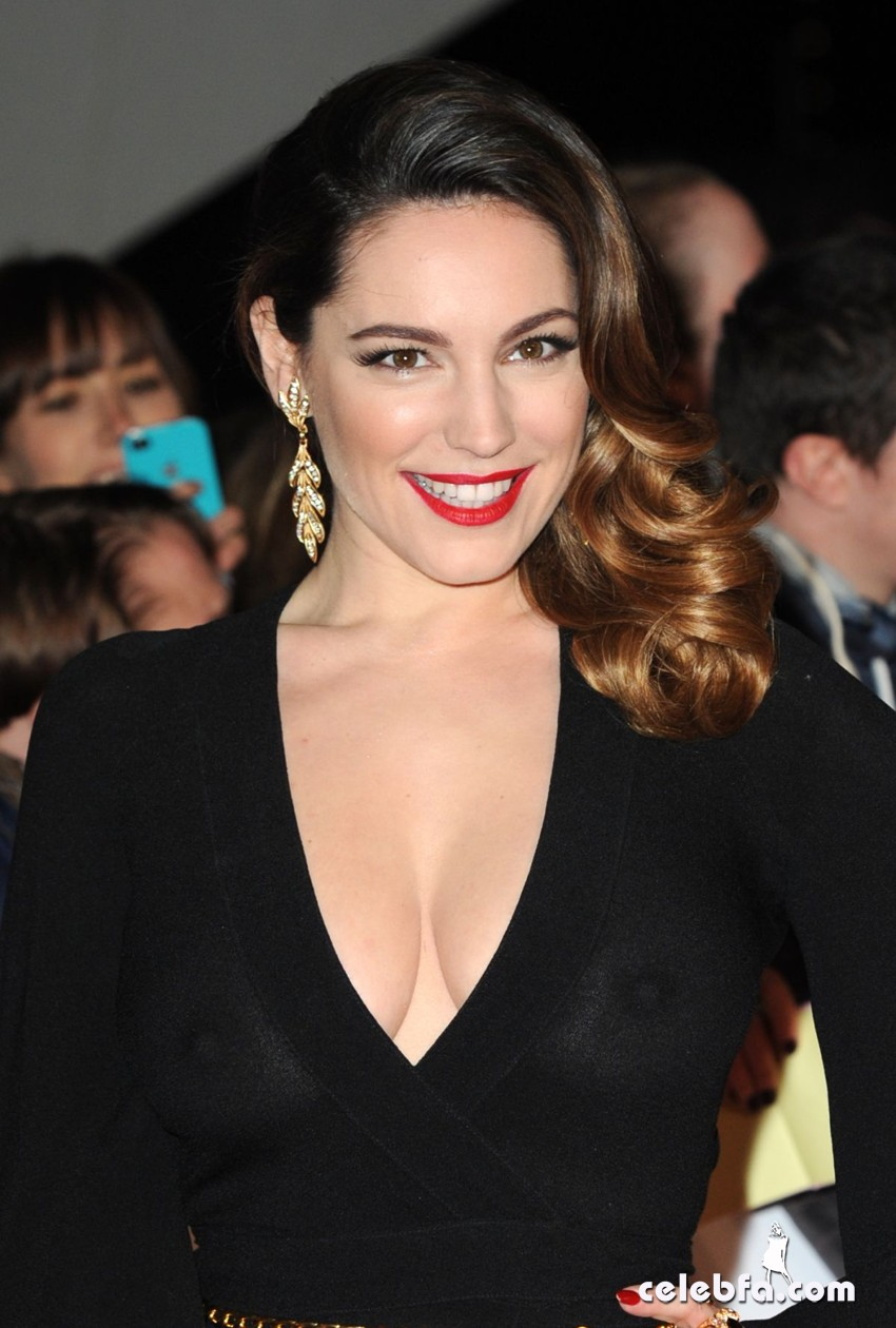 kelly-brook--2014-national-television-awards-CelebFa (1)