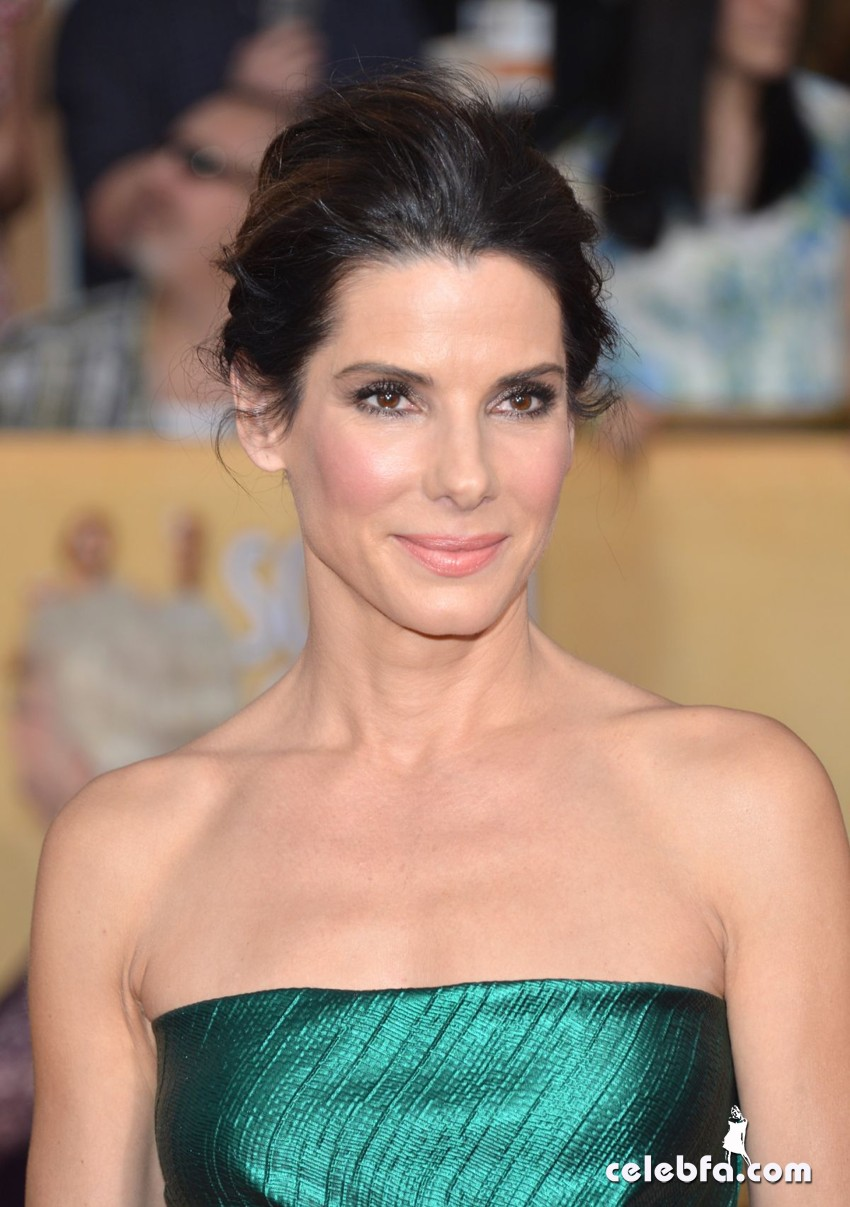 sandra-bullock-at-2014-sag-awards-CelebFa (2)