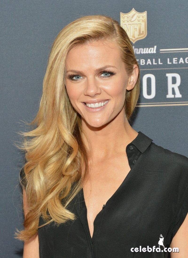 brooklyn-decker-at-3rd-annual-nfl-honors-in-new-york_CelebFa (1)