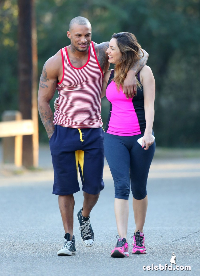 kelly-brook-and-david-mcintosh-los-angeles_CelebFa (1)