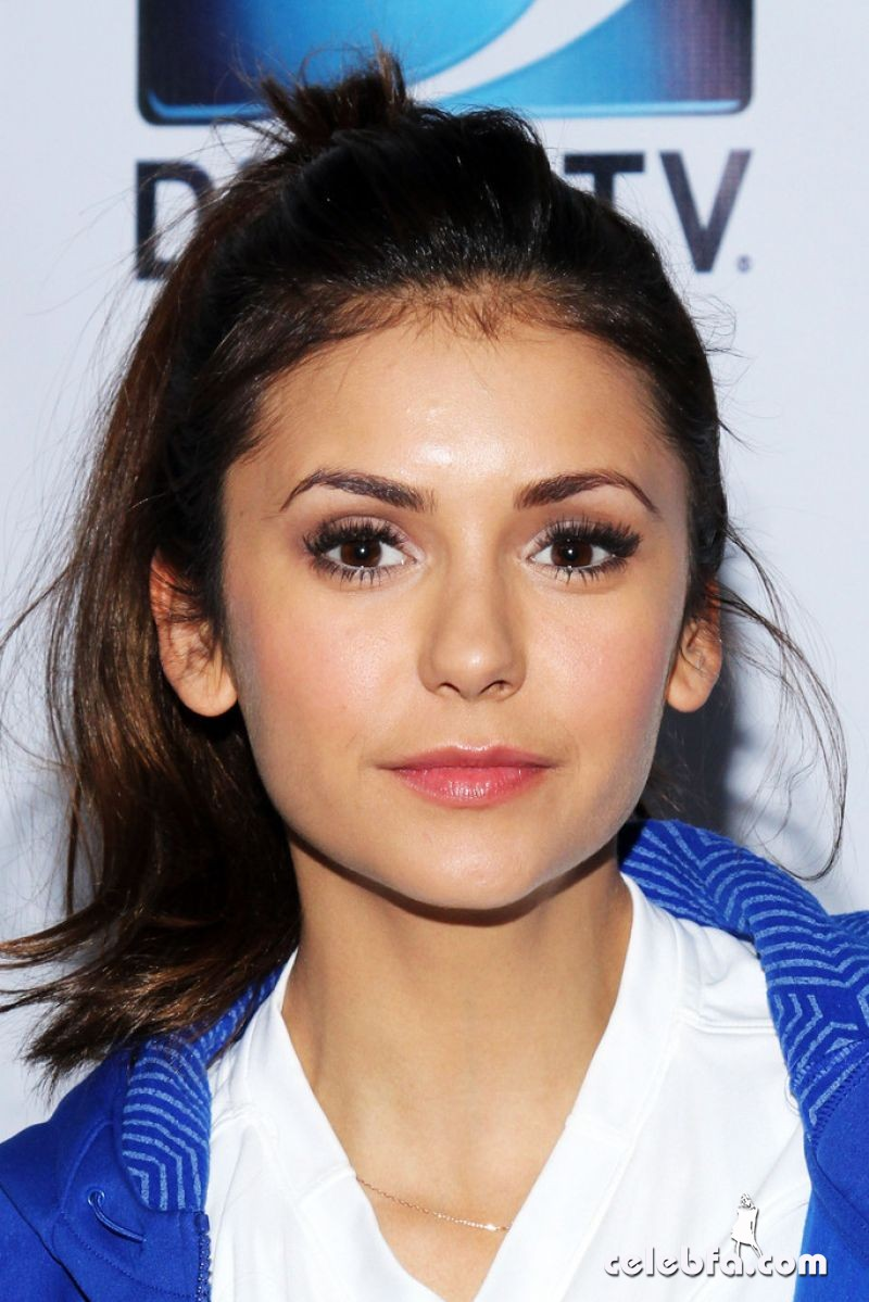 nina-dobrev-at-directv-celebrity-beach-bowl-in-new-york_2