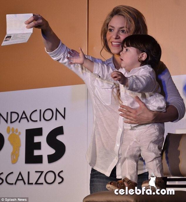 Shakira's son Milan passport-CelebFa (1)