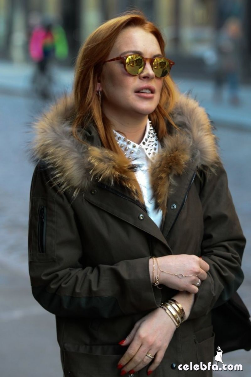 lindsay-lohan-in-new-york-city-CelebFa (1)