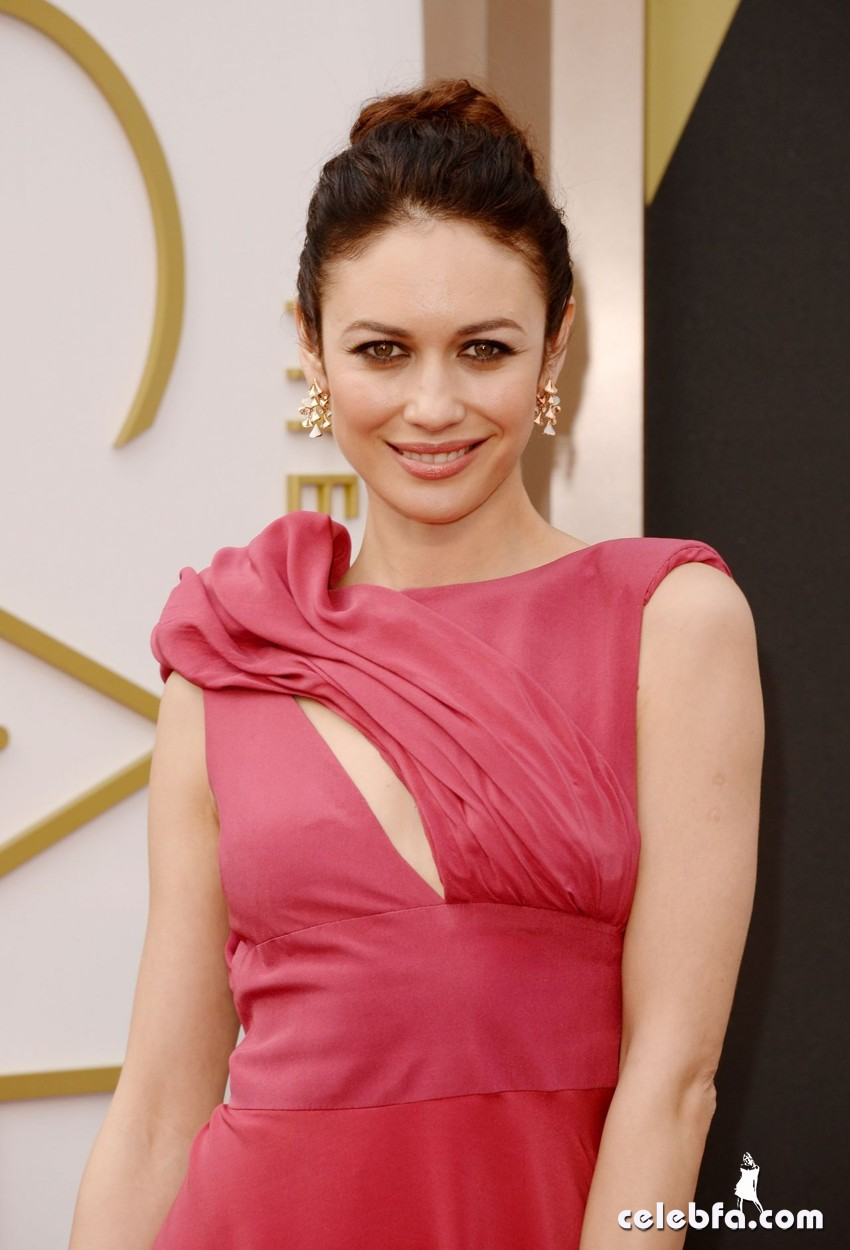 olga-kurylenko-2014-academy-awards-in-hollywood-CelebFa (1)