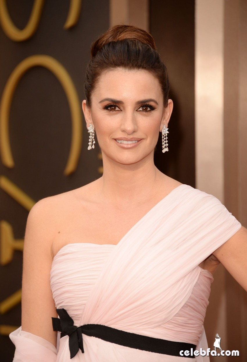 penélope-cruz-86th-annual-oscars-in-hollywood_CelebFa (1)