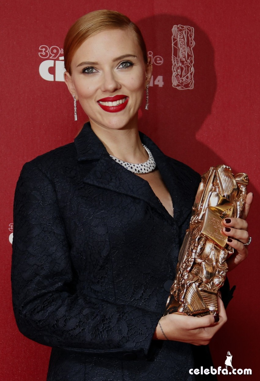 Scarlett Johansson - Cesar Awards -CelebFa (1)