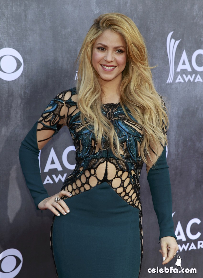 Shakira - Academy of Country Music Awards -CelebFa (1)