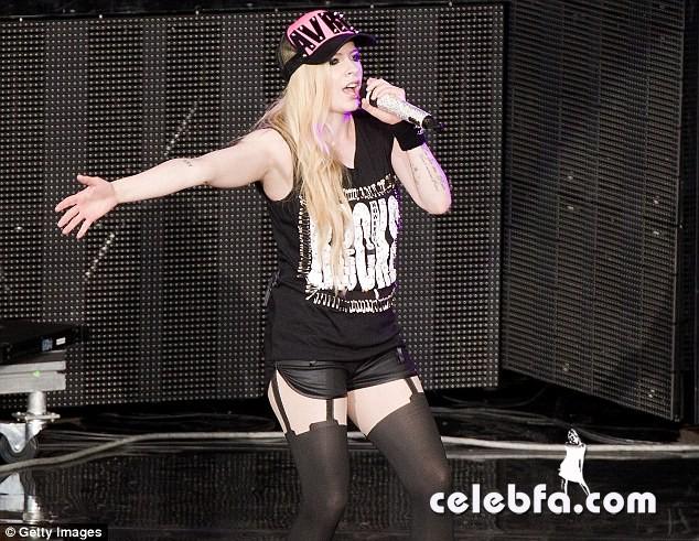 Avril-Lavigne (1)