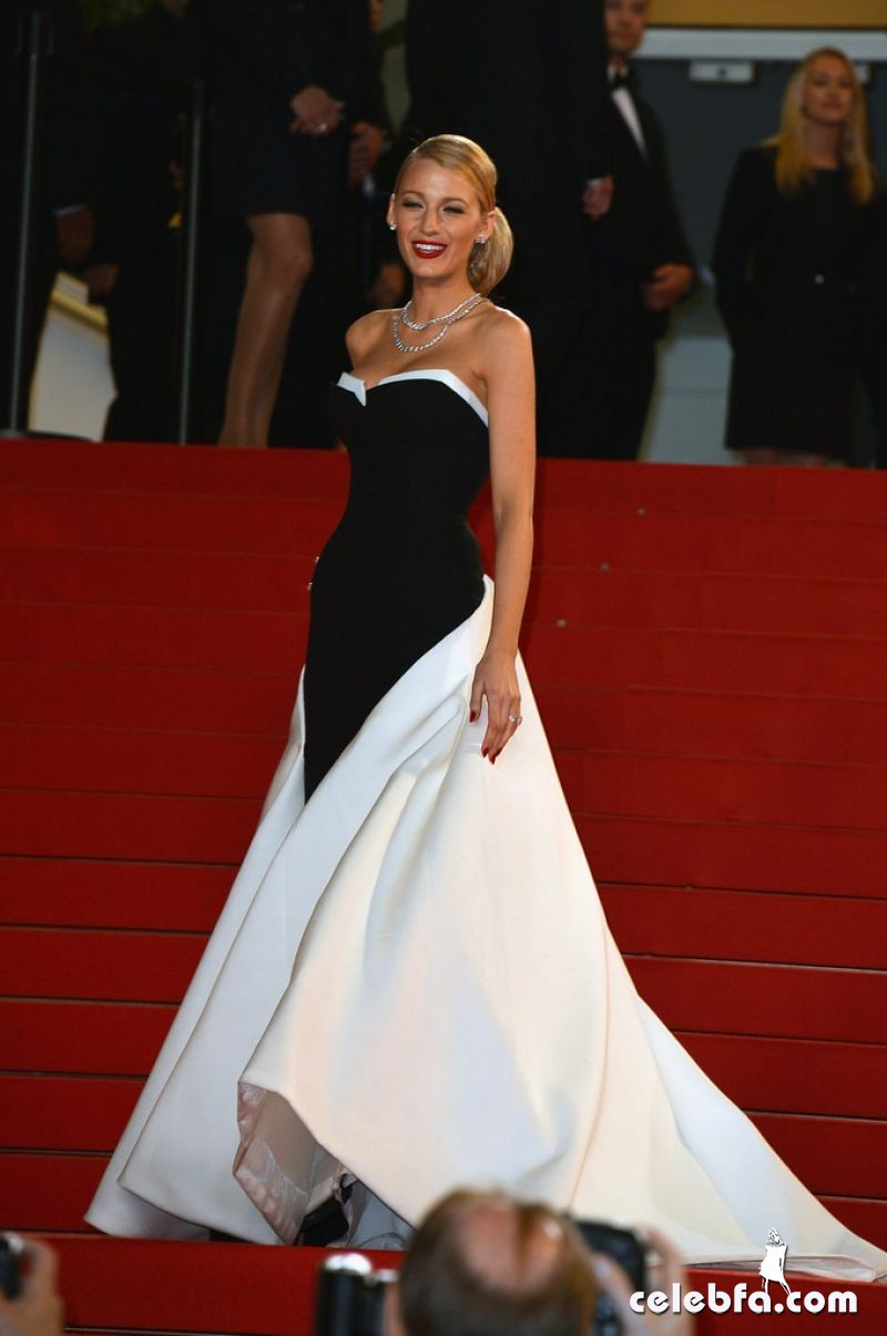 blake-lively-captives-premiere-2014-cannes-CelebFa (1)